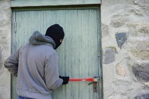 Comment securiser une porte en PVC ?
